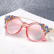Women Cat Eye Anti-UV Sunglasses Vintage Brand Designer Crystal Diamond Frame Sunglasses